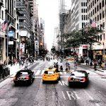 Uber a taxi: porównanie. Ile kosztują, jak działają, czym się różnią?