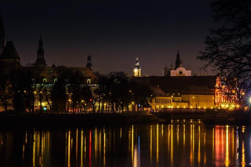 Zwiedzanie Wrocławia nocą - sprawdź, co warto zobaczyć