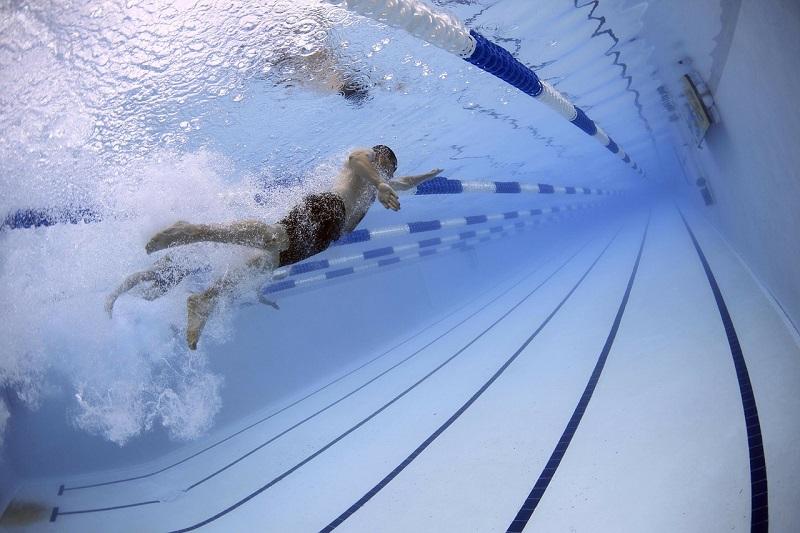 Basen pływacki w Aquaparku Wrocław