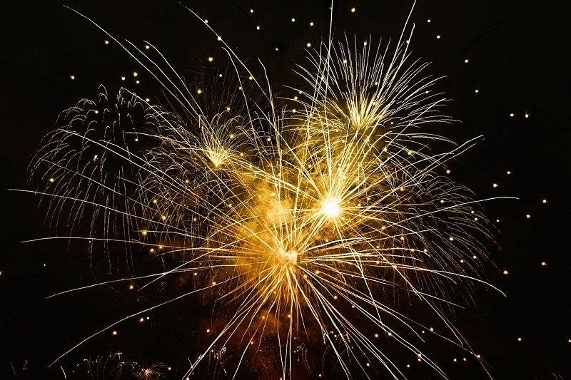Fajerwerki na niebie w Nowy Rok