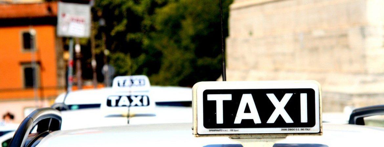 Usługi taxi we Wrocławiu – zrób zakupy na telefon, przewieź zwierzaka i wezwij pomoc w wymianie koła!